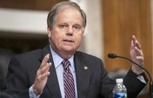 На фото: кандидат на пост Генерального прокурора Даг Джонс