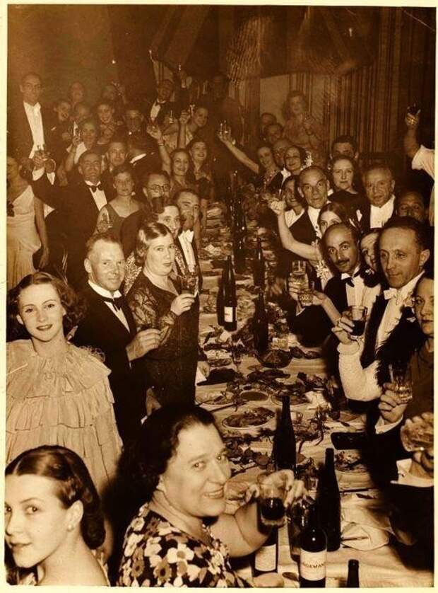 Встречают новый, 1920-й