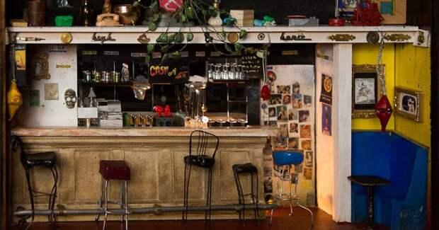 Дорогая, яуменьшил пивную: американец делает миниатюрные точные копии баров