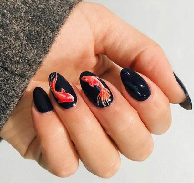 Лаковая живопись на ногтях