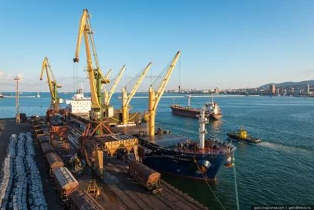 Грузооборот морских портов России за 11 месяцев уменьшился на 2,3%