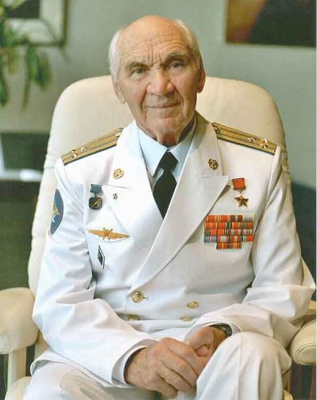 Умер легендарный летчик-испытатель Георгий Мосолов