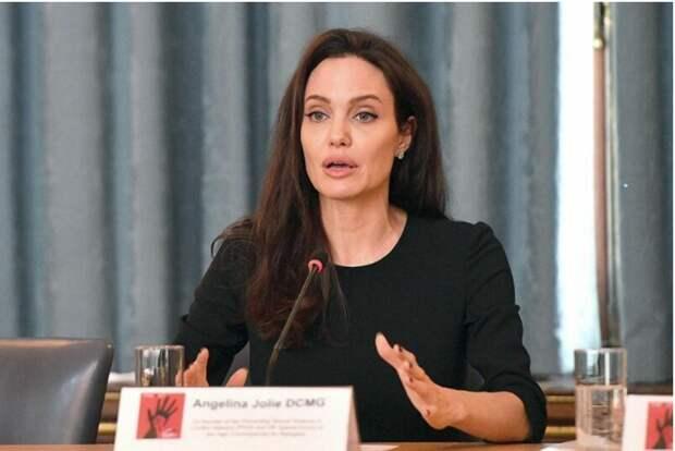 Анджелина Джоли не исключила своего участия в президентской гонке
