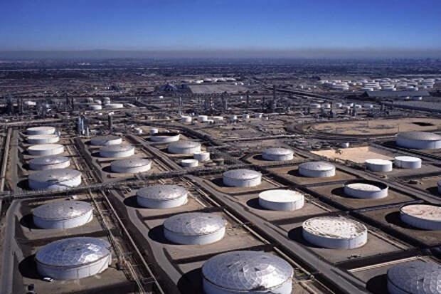 EIA: Коммерческие запасы нефти в США сокращаются