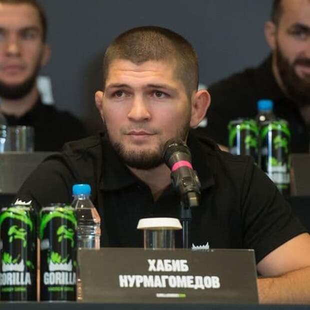 Нурмагомедов назвал ринг-гёрлз «самыми ненужными людьми в ММА»