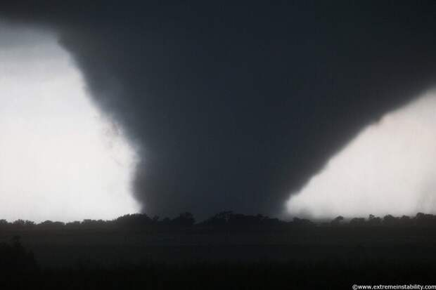 Охотник за ураганами: страшно красивые фото буйства стихии