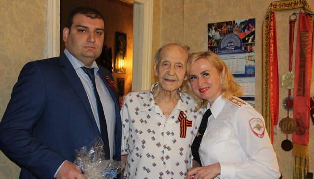 Начальник УМВД Подольска поздравил ветерана ВОВ с 97‑летием