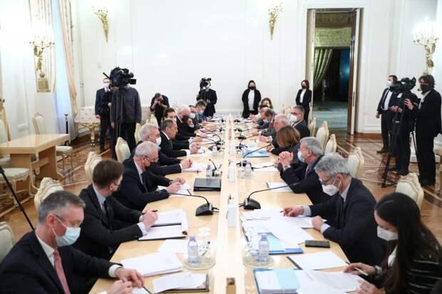 Напряжение между Россией и ЕС растет: итоги встречи Лаврова и Борреля