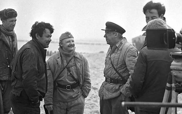 Юрий Никулин на съёмках фильма «Двадцать дней без войны».