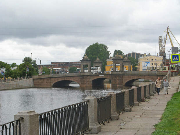 Старо-Калинкин_мост,_Фонтанка.jpg