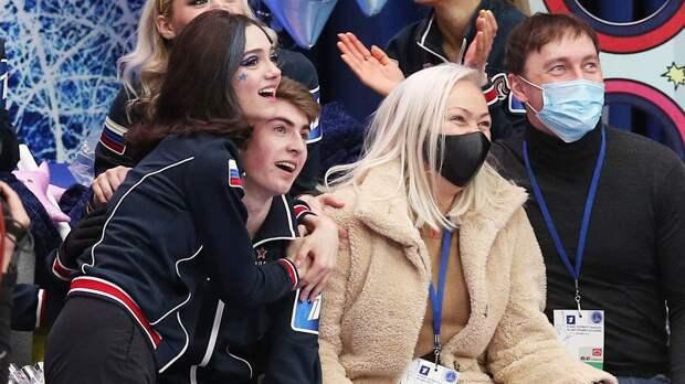 Медведева разрыдалась после выступления Кондратюка на Кубке Первого канала. Видео