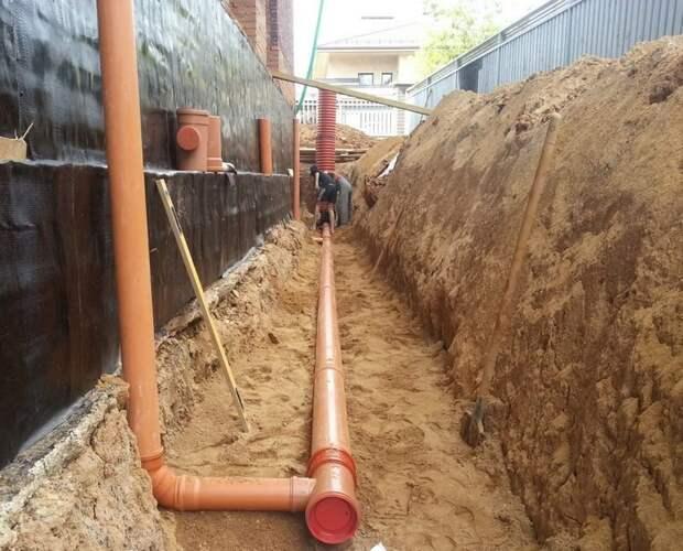 Частые ошибки устройства прохода канализации через фундамент, которые лучше не допустить сразу, чем потом переделывать