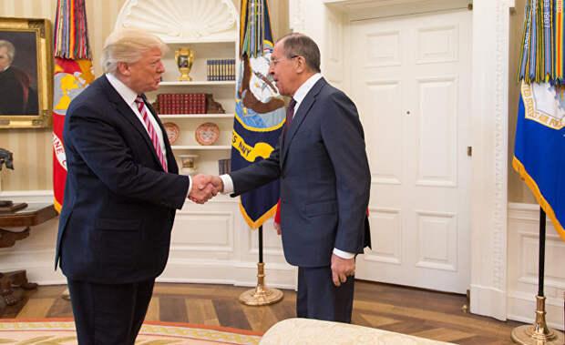 American Thinker (США): Трамп потроллил левую оппозицию, устроив в день импичмента встречу с Лавровым