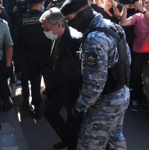 Против трёх свидетелей по делу Михаила Ефремова возбуждены дела о даче ложных показаний