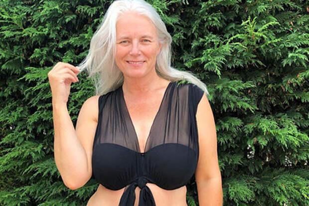 В Англии экс-учительница с седьмым размером груди стала моделью