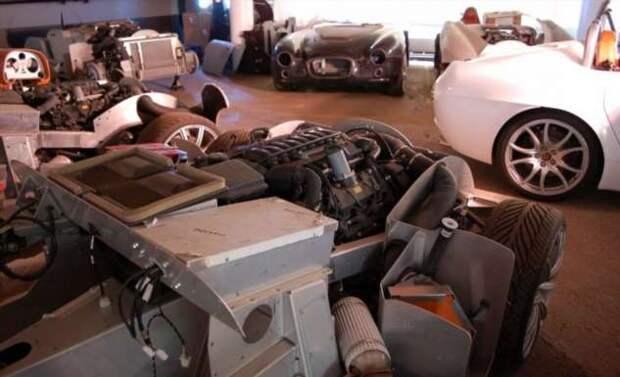 Подвал с сокровищами: с аукциона продадут исторические активы Bristol Cars (50 фото)