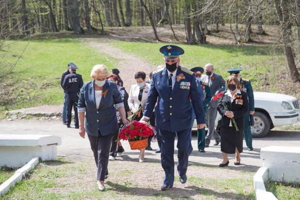 На Ангарском перевале и у «Партизанской шапки» почтили память партизан, погибших в годы ВОВ
