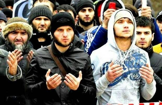 ИЗ-ЗА ЧЕГО МОЛОДЫЕ МУСУЛЬМАНЕ В РОССИИ СТАНОВЯТСЯ ЭКСТРЕМИСТАМИ
