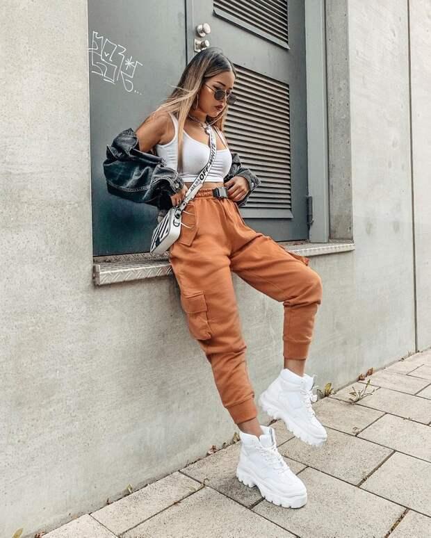 Модные джоггеры 2021-2022: тренды и тенденции женских брюк