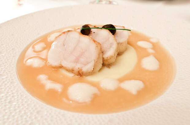 Запекаем целую рыбу: поварские добавки, подчеркивающие и улучшающие вкус