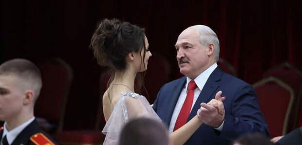 Лукашенко выбрал себе новую партнершу