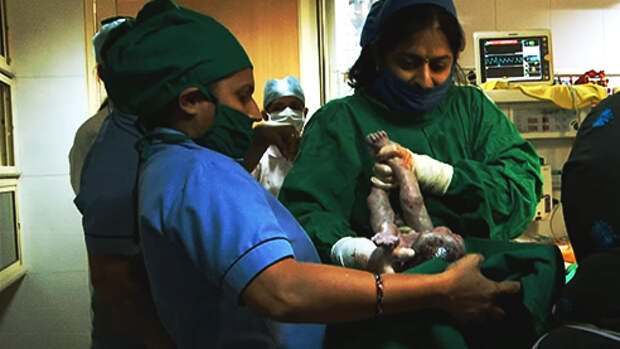 Матери напрокат: прибыльный бизнес в Индии