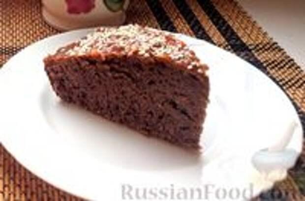 Фото приготовления рецепта: Постный шоколадный пирог с гречневой  мукой - шаг №9