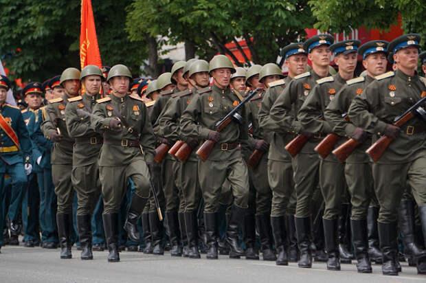 В Симферополе в параде Победы примут участие более тысячи военных