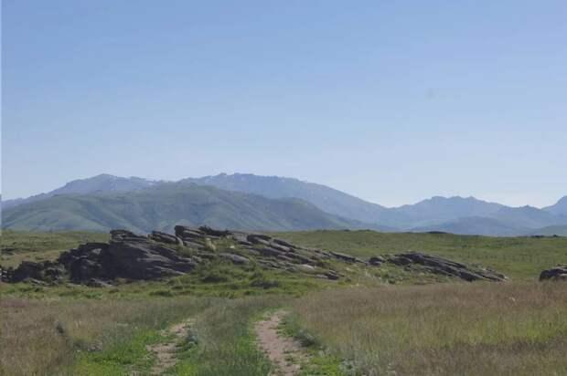 Ак-Баур: Стоунхэндж по-казахски