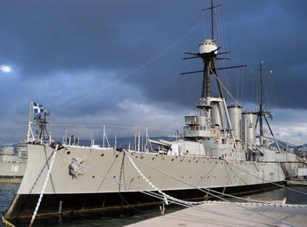 Броненосный крейсер «Георгиос Аверов». Этот греческий корабль был самым сильным плавучим монстром Второй Балканской войны