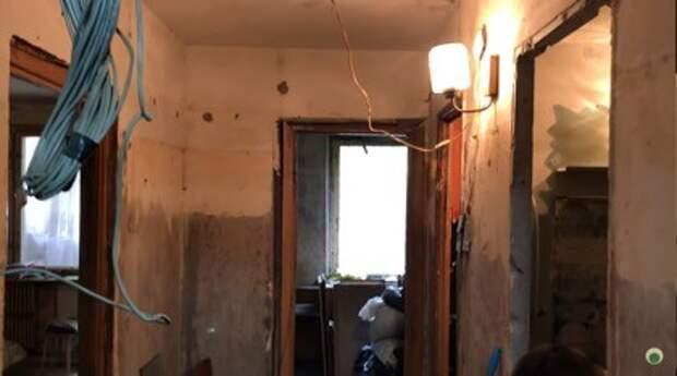 Два парня бесплатно отремонтировали квартиру матери-одиночки, чтобы той вернули ребенка