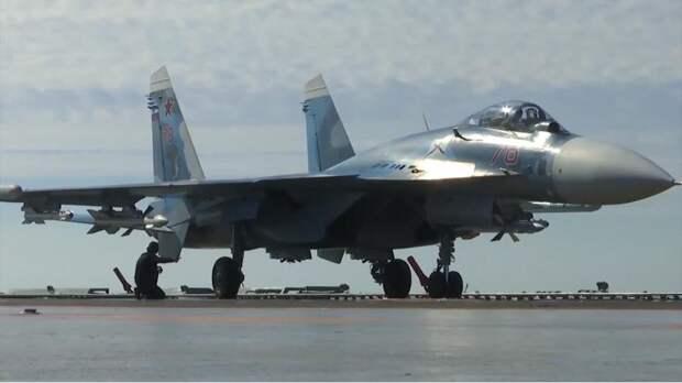 Корабельный истребитель Су-33 ВКС РФ