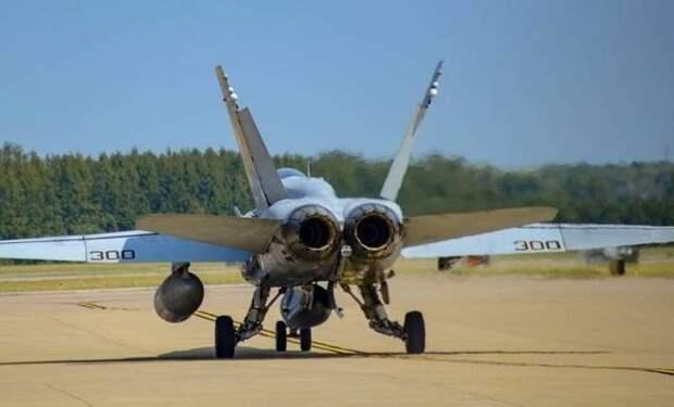 Последний «Шершень»: американский флот расстается с F/A-18С