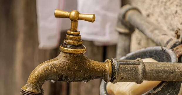Воду отключили в нескольких крымских городах