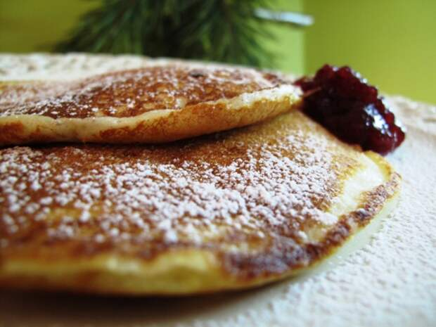 http://picantecooking.com/sites/default/files/content/recipies/2011-02-17_perfect_pancakes/pancakes_1.jpg