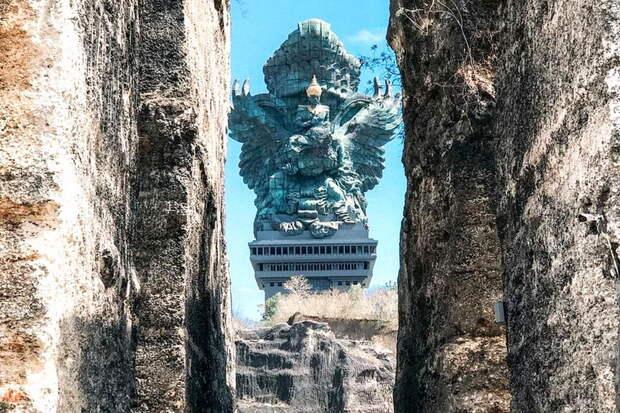 Гаруда Вишну Кенчана — гигантская статуя на Бали