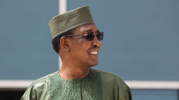 Сын погибшего президента Чада возглавил переходный совет страны