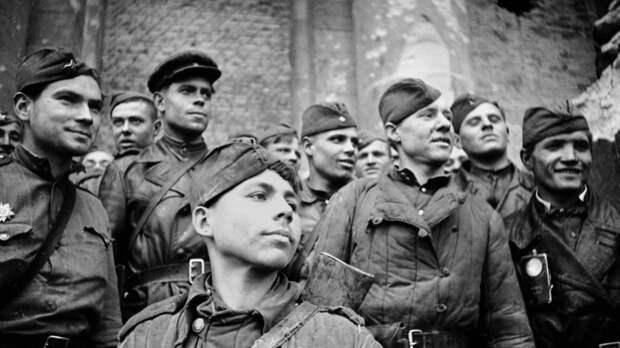 США извинились, а Кравчук признался в голословном заявлении: фейки о Великой Отечественной войне не прожили и нескольких часов