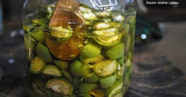 Мед и орехи – лучшее средство от проблем со щитовидной железой! Вот что надо делать