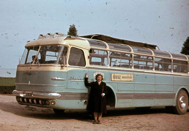 Фотографий с автомобилями времен СССР