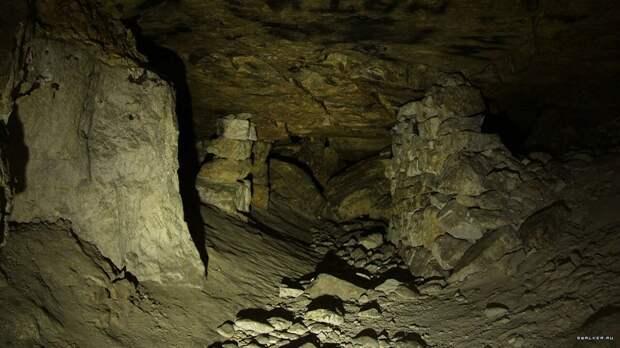 Губернатор Подмосковья поручил заблокировать входы в пещеры Сьяны