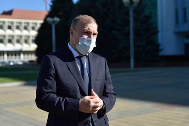 Глава Адыгеи призвал граждан не пренебрегать ношением масок