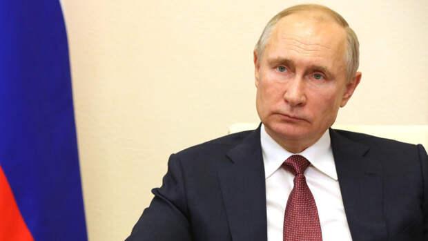 Путин призвал решить проблему очередей в поликлиниках