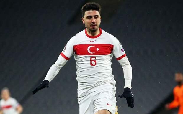 В Турции сообщили, что «Спартак» готов предложить 32 миллиона евро за полузащитника «Фенербахче» Туфана