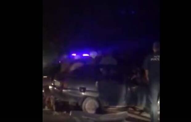 В районе Феодосии лоб в лоб столкнулись автобус и легковушка. Есть пострадавшие
