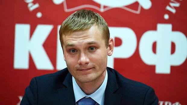 Кремль решил отправить в отставку главу Хакасии Коновалова, который принадлежит к оппозиции