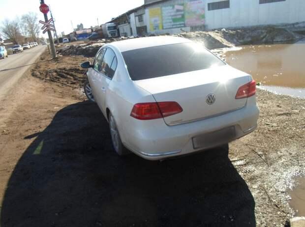 В Удмуртии пожилая женщина попала под колеса автомобиля
