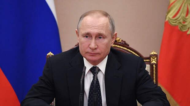 Выплаты для семей, поддержка бизнеса и мониторинг ситуации: Путин утвердил перечень поручений в связи с коронавирусом