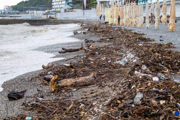 Десятки поселков Большой Ялты и Алушты пострадали от потопа 1