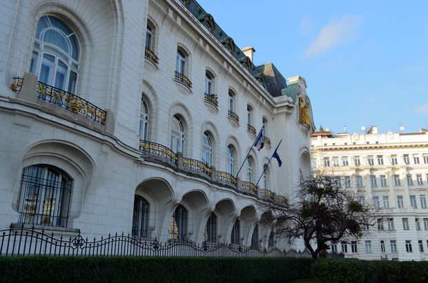 8 самых красивых и необычных посольств